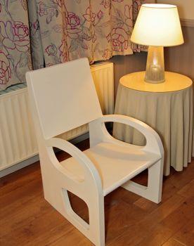tuto pour faire un fauteuil en carton aux parois super minces. Black Bedroom Furniture Sets. Home Design Ideas